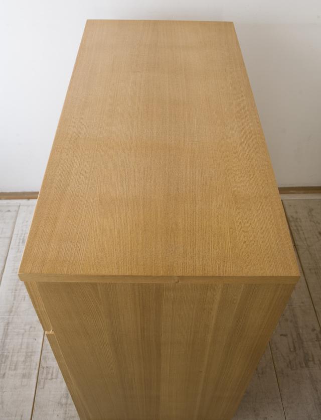 タモ材キャビネット・木製扉-06